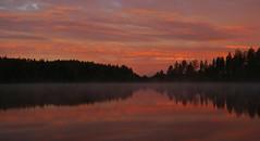 L1160413a (SeppoU) Tags: suomi finland lohja syksy autumn npsy snapshot satunnaispoiminta randompick aamu morning auringonnousu sunrise jrvi lake pilvi cloud tyyni calm leica dlux4