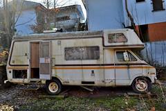 dodge sportsman (riccardo nassisi) Tags: auto abbandonata abandoned rust rusty relitto rottame ruggine ruins rottami scrap scrapyard epave piacenza pc fiat officina decay urbex