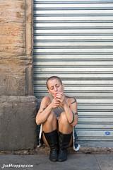 Cigarrette Pause 1 (Joe Herrero) Tags: seleccionar descanso pausa barcelona mujer chica retrato camarera wwwjoeherrerocom joe herrero calle girl