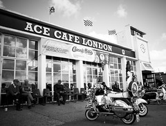 Ace Cafe (Sally Dunford) Tags: sallyoctober2016 vespa scooters modsacecafe acecafelondon canon7d canon1755mm