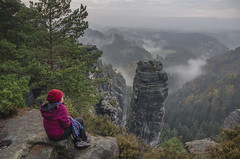 Nebelmorgen (Paulas Welt 73) Tags: schsische schweiz sachsen rathen nebel herbst