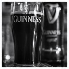 294/366 black white day (tideloon) Tags: schwarzweiss entwicklung 3662016 366the2016edition 366dayproject blackandwhite blackwhiteday 35mm fujinonxf35mmf2rwr fujifilm fujifilmxe2s xe2s beer guinness pub
