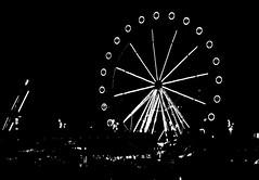 Ferris wheel // Diabelski myn // Roda de la fortuna (stempel*) Tags: pentax k30 50mm barcelona katalonia cataluna catalona hiszpania espana gambezia ferris wheel diabelski myn roda de la fortuna bw czb