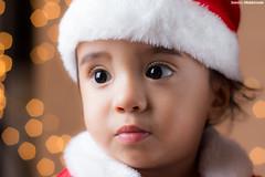 IMG_1248 (saraelym1) Tags: santa christmas light baby white cute boys canon children 50mm navidad luces kid kiss niños bebe d100 fotografia sl1 diversion clos navideña foquitos 1año5meses