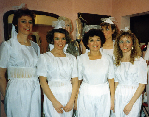 1992 Ali Baba 04 (from left Linda Ellis,Lorraine Lightfoot,Joan Carr,Ann Brothers,Sally Capp,x)