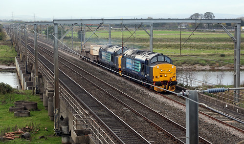37425 and 37682 with flasks at Metal Bridge, 17 October 2014