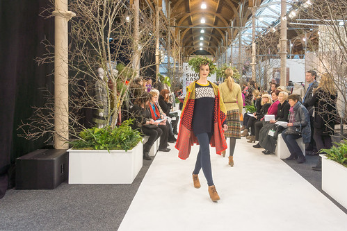 SONIA REYNOLDS PRESENTS HER SELECTION OF THE BEST OF IRISH FASHION REF-101450