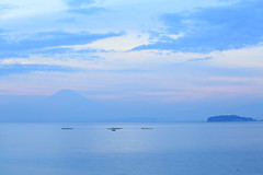 blue scene. (cate) Tags: blue beach ship fuji cloudy peaceful calm   mtfuji