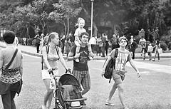 () Tags: street ltm people bw film kids children 400tx l kodaktrix taipei f2 fujinon  f20 5cm fujinonl l5cm