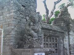 Elephant Satute Pura Luhur Uluwatu