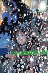 Ultima di Carnevale ... (gianluca_gandini) Tags: italy como lago italian europa italia bambini piazza carnevale lombardia lugano cultura carri cappello domenica maschere sfilata coriandoli lario manifestazione bambino faccia tradizionale teatrale volto 2015 bellissimo famoso attori mascherina multicolore culturale rappresentazione porlezza mascher mascherato grottesco sgargiante mascherati