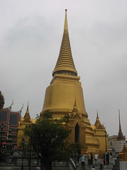 Golden Stupa at Wat Phra Kaew