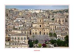 I colori della Sicilia - 24 (Jambo Jambo) Tags: modica ragusa sicilia sicily italia italy panorama landscape cityscape unesco patrimoniodellunesco sonydscrx100 jambojambo duomodisangiorgio
