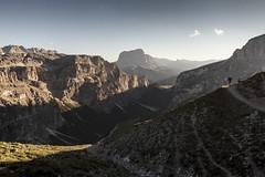 last rays (Thomas Sobottka) Tags: sunset italy sun mist hiking trail hut rays alpen sonne dolomites rifugiopuez