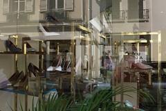 streetfashion5 (lux fecit) Tags: paris street fashion window reflet reflection shop