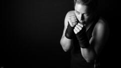 The fight... (lichtflow.de) Tags: portrait sport canon studio meike boxen kunstlicht festbrennweite eos5dmarkiii ef35mmf28usm
