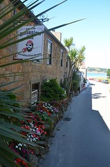 Old Smugglers Inn, St Brelade, Bailiwick of Jersey (Objectif Nantes) Tags: jersey pub camra oldsmugglersinn