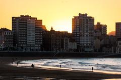 Playa de San Lorenzo. Gijn. (David A.L.) Tags: asturias gijn playa playadesanlorenzo sol puestadesol atardecer ocaso