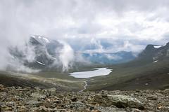 Im Gebirge (~janne) Tags: berge europa gewsser himmel kamera see umwelt wasser clouds em1 environment europe lappland omd schweden sea sky water wolken norrbottensln se