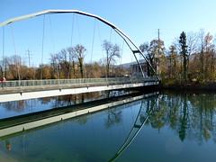 Flusslandschaft / River landscape e (krinkel) Tags: aare olten switzerland fluss river kanal channel herbst autumn spiegelung reflection autumne panasonic