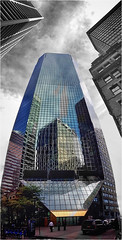 Inside-in-outside. (Ova.) Tags: perspective desaturado canon manhattan architecture buildings newyork manhatan reflex