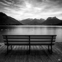 Alone (flo73400) Tags: nb bw blackandwhite lac lake lacdannecy banc le longexposure poselongue landscape paysage bench france