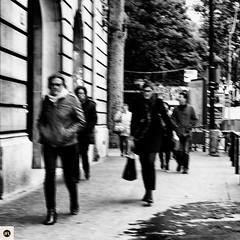 14t16 (photo & life) Tags: paris france europe ville city street streetphotography fujifilm fujinon fujifilmxpro2 fujinonxf23mmf2rwr woman blackandwhite noiretblanc square squareformat squarephotography humanistphotography photography photolife jfl