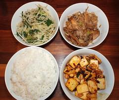 Tofu, rice, mushrooms and vegetables (La belle dame sans souci) Tags: chinesefood rice jasminerice firmtofu tofu pakchoi beansprouts enokimushrooms oystermushrooms peanuts laoganmasauce