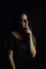 practicas dentro de clase  con fondo negro iluminacin artificial (gabophoto16) Tags: ggg