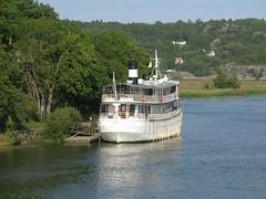 Gta kanal-kryssningsbten Diana, Nordre lv, Kunglv, 2011 (biketommy999) Tags: 2011 kunglv nordrelv bohusln lv river bt boat bro bridge