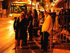 Bushaltestelle abends in Jerusalem