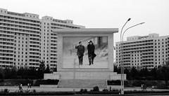 Pyongyang /  (North Korea) - The Leaders (Danielzolli) Tags: schnee snow kim plattenbau korea communism kimjongil neve leader block neige commie dictator socialism socialisme northkorea fhrer panelak pyongyang corea sozialismus socialismo coreadelnorte kommunismus kore koryo diktator kimilsung diktatur nordkorea kldr snieg komunizm koreja appartmentblock communismo  panele noordkorea socjalizm  coredunord   coreadelnord  pjngjang demokratischevolksrepublikkorea dprkorea koreapnocna severnkorea    pjongjang blokprlowski panelovy    severnakoreja pionyang dvrkorea szakkorea sjevernakoreja