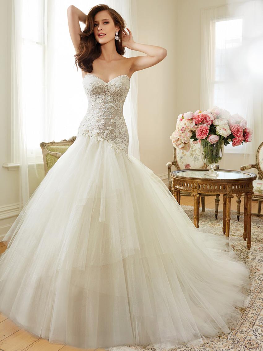 Y11560_Designer-Wedding-Dresses-2015.jpg