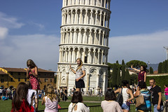 Pisa - Classic shot for girls (Franco Santangelo (thx for 700.000+ views)) Tags: italy tuscany tower torre teen people canon sigma eos600d