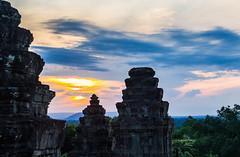 Angkor VI (VkG_64) Tags: angkor cambodge leverdesoleil phnombakheng siemreap