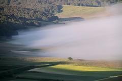 (claudiophoto) Tags: montagna sibillini parconazionale montisibillini castellucciodinorcia sibillininationalpark mistylandscape paesaggiumbri montidellemarche