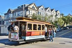 All aboard....San Francisco (stevelamb007) Tags: california sanfrancisco cablecar streetscene people stevelamb nikon d7200 nikkor18200mm sanfranciscomunicipalrailway railway powellhydestreets