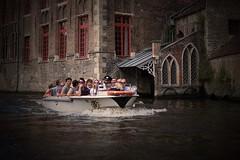 Grachtenfahrt in Brgge (thomas druyen) Tags: brgge belgien gracht grachtenfahrt boot wasser menschen architektur