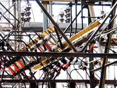 Fuga (Linx Photography) Tags: electricity electricidad electrical electric tension voltage power potencia ingenieria engineering digital color