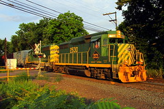 Reading & Northern PIFF (Hank Rogers) Tags: pa pennsylvania dupont train rr railroad rail track freight rn readingnorthern 2530 3055 rnpiff rn3055 rn2530 piff goldenhour brilliant vibrant summer gold golden blue sky yellow green crossing industry economy economic vivid rbmn