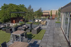 Bradley Low-Res10 (Chicago Roof Deck and Garden) Tags: pergola concrete porcelain roof deck chicagoroofdeck design landscape city landscapes roofdecks chicago outdoor spaces outdoorliving furniture synlawn ravenswood rooftop garden