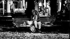 banc public  (jepag0) Tags: noirblanc noiretblanc amoureux banc vichy lovers couple parc