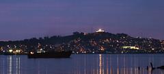 El Faro de la Fortaleza (Pancho Varela) Tags: motevideo baha barco faro fortaleza nocturna atardecer bluehour