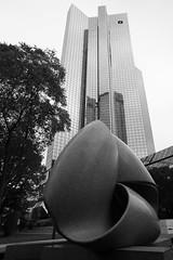 Frankfurter Bankenviertel VI (Schermannski) Tags: frankfurt hochhaus skyscraper