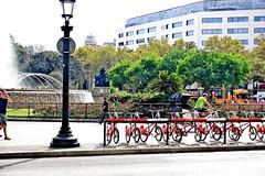 Caminando por Barcelona - Plaa de Catalunya (explored 2016/10/22) (Fnikos) Tags: plaza plaa catalunya barcelona sunny people street road bicycle nature building outdoor
