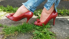 Red River Island Open Toe Shoes. (Transit Driver Returns.) Tags: riverisland redshoes opentoeshoes sexyfeet beautifulfeet