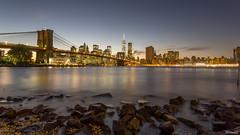 Brooklyn Bridge desde Main Street Park - II - New York (DGrimaldi) Tags: nyc newyork brooklyn canon atardecer manhattan lee brooklynbridge lowermanhattan estadosunidos nuevayork grimaldi eeuu polarizador ef1740mmf4lusm mainstreetpark puentebrooklyn 5dmarkiii filtroslee dgrimaldi 5dmiii davidgrimaldi