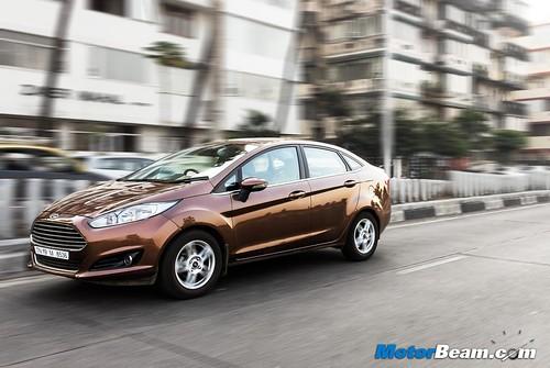 2015-Ford-Fiesta-Long-Term-11