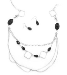 5th Avenue Black Necklace P2120-4