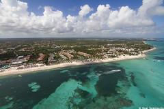 Punta Cana (Kusi Seminario) Tags: beach deluxe playa palace helicopter caribbean caribe barcelo fotografiaaerea babaro airphotography helicptero
